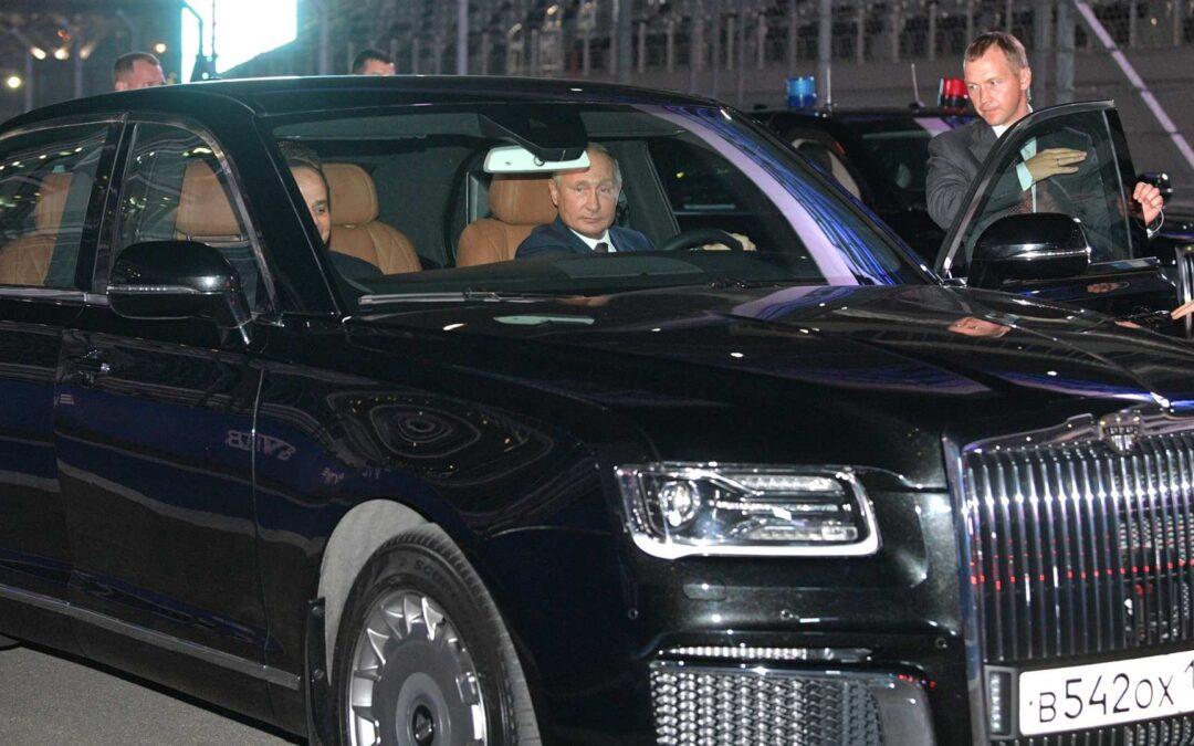 Ετοιμάζεται το νέο αυτοκίνητο του Vladimir Putin που τα βάζει με Bentley και Rolls-Royce