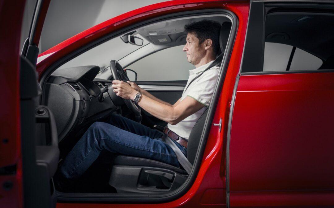 Οδηγώντας με ασφάλεια: Ρύθμισε σωστά το κάθισμα σου αλλιώς κινδυνεύεις!