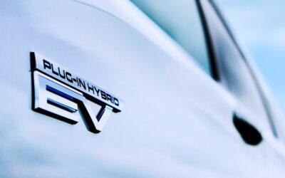 Ιεροσυλία ή εξέλιξη; Το όνομα Evolution μπαίνει σε plug-in υβριδικό SUV