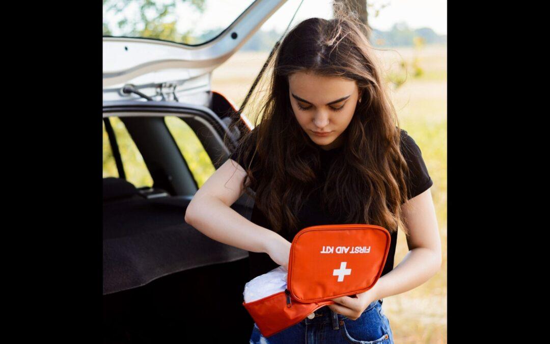 Οδηγώντας με ασφάλεια: Μη γυρίσεις καν τη μίζα, αν δεν έχεις αυτά τα πέντε πράγματα στο αυτοκίνητο