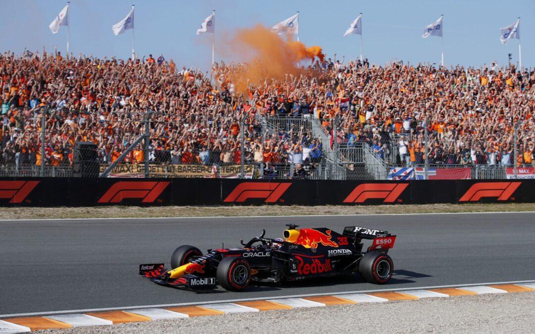 Ρίχνει το ένα «χαστούκι» μετά το άλλο ο συνδυασμός Red Bull -Verstappen