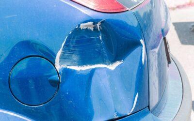 Τράκαρα παρκαρισμένο αυτοκίνητο-Την κοπανάω ή αφήνω τα στοιχεία μου;