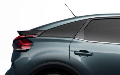 Ποιο γαλλικό μοντέλο απειλεί σε πωλήσεις Volkswagen Golf και Toyota Corolla;