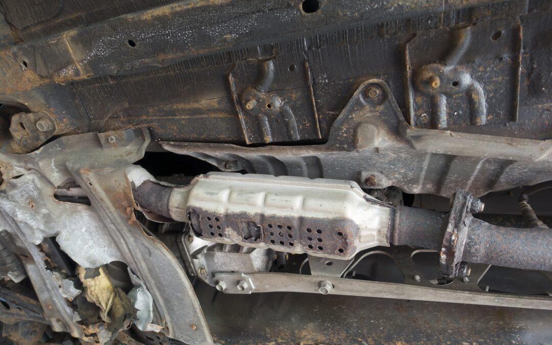 Συλλήψεις στο Χαλάνδρι για κλοπές καταλυτών από σταθμευμένα αυτοκίνητα-Προηγήθηκε καταδίωξη!