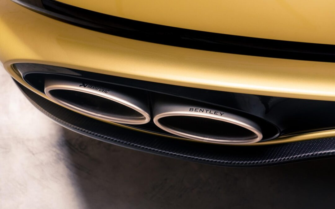 Ουρλιάζει με εξάτμιση Akrapovič και 659 ίππους η Bentley Continental GT Speed!