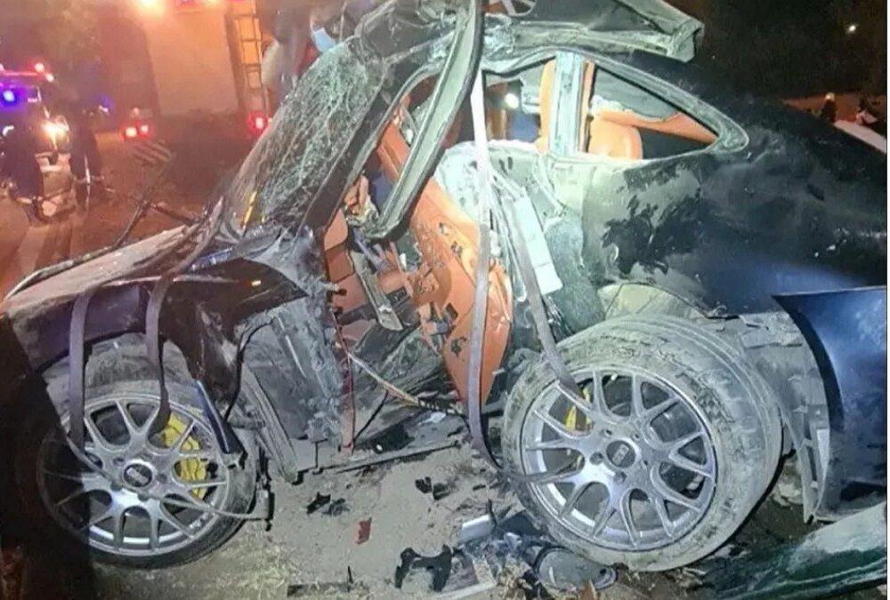 Νεκρός σε τροχαίο ατύχημα o Mad Clip-Άμορφη μάζα σιδερικών η Porsche που οδηγούσε