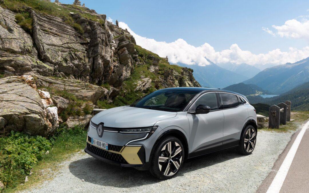 Μετάλλαξη στο DNA του νέου Renault Megane! Έγινε SUV και ηλεκτροκίνητο (video)