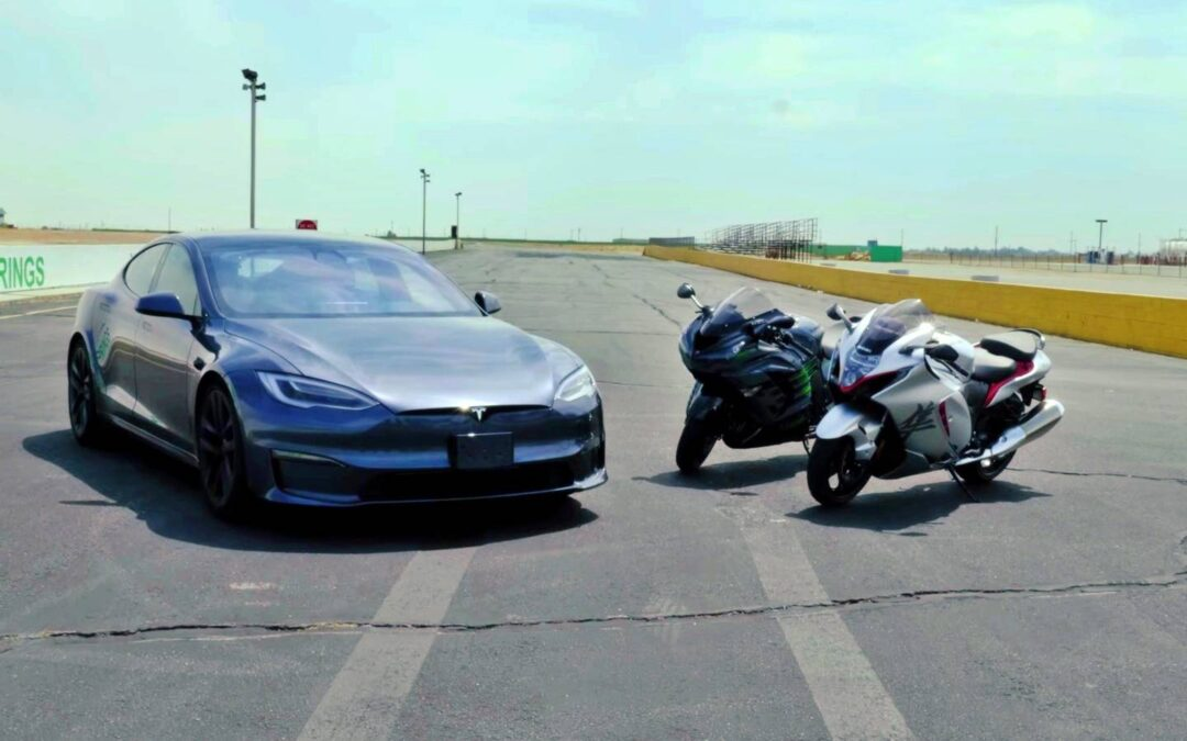Tesla Model S Plaid κοντράρει Suzuki Hayabusa και Kawasaki ZX-14R. Ποιος θα κερδίσει;